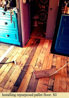 Fantastic step by step blog on creating a wood pallet floor fantastic step by step blog on creating a wood pallet floor crafty wood projects pinterest pallet floors wood pallets and pallets solutioingenieria Gallery