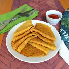 Happily Spiced: Healthy Lentil Crepes - might have to swap in spices the kids are more comfortable with Lentil Recipes, Veggie Recipes, Indian Food Recipes, Whole Food Recipes, Vegetarian Recipes, Cooking Recipes, Healthy Recipes, Vegetarian Pancakes, Pescatarian Recipes