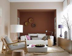 """Einrichten mit Herbstfarben: Wohnzimmer mit SCHÖNER WOHNEN-Trendfarbe """"Ziegel"""""""