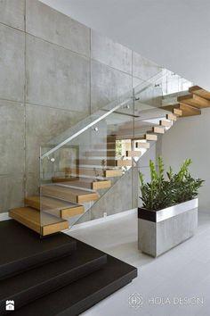 The quarter-turn staircase offers a variety of design options .- Die viertelgewendelte Treppe bietet vielfältige Gestaltungsmöglichkeiten The quarter-turn staircase offers a variety of design options! Home Stairs Design, Interior Stairs, Stair Design, Glass Stairs Design, Railing Design, Small House Design, Modern House Design, Modern Stairs Design, Modern Railing