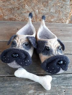 Felted slippers Handmade House shoes. Women slippers Women shoes PUG DOGS Handmade slippers Woolen clogs Gift for her Traditional felt Felted shoes specially for you! House shoes. Absolutely ECO, natural, hand felted slippers from wool. Slippers are made using only water and soap. Cute,