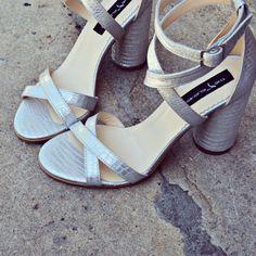 #rosettishowroom #the5thelementstore #springsummer #sandals #blockheels