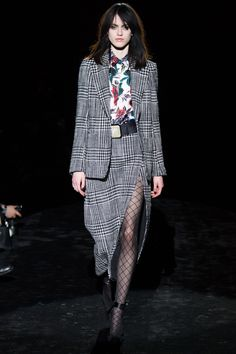 Emanuel Ungaro   Paris Fashion Week   Fall 2016 - welcome in the world of fashion