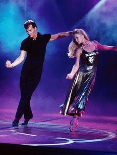 Patrick Swayze y su esposa Lisa, me fascinaba este hombre actor, cantante y bailarín un perfecto artista en la escena ;)