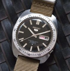 """Another Seiko associated with NASA in the glory years. the classic #seiko5 """"Gene Kranz"""". Worn by Flight Director Gene Kranz during the Apollo 11 and 13 missions and beyond. #seiko #spacewatch photo: @fratellowatches"""