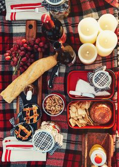 Sarah Vickers adventures in New England living, classic fashion, and travel: fall outdoor picnic and movie