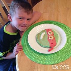 Teenage Mutant Ninja Turtles Pancakes ... boys would love these!