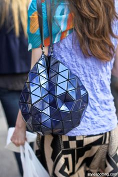 stylespotting.com_Bao_Bao_Issey_Miyake.1_NYC_streetstyle_street_fashion_Soho_geometric_Jerri_Howell_New_York // Want one