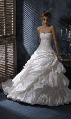 Maggie Sottero A3427 Annalise, find it on PreOwnedWeddingDresses.com