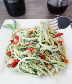 Zucchini Pasta with Avocado Pesto - Abednego made this for us for dinner, and it is one of the most delicious meals I've ever eaten. It is not hard to chose healthy food and still be obedient to the Lord. Think Food, I Love Food, Good Food, Yummy Food, Delicious Meals, Raw Food Recipes, Vegetarian Recipes, Cooking Recipes, Healthy Recipes