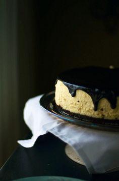 Hot Fudge Cheesecake w/ Brownie Crust
