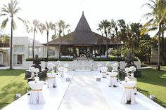 All-white theme an inspired for wedding party decoration | A Flowery Moroccan-Inspired Wedding In Bali  | http://www.bridestory.com/blog/a-flowery-moroccan-inspired-wedding-in-bali
