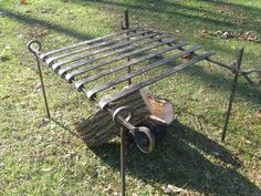 Civil War reenactors use many black iron forged items for there century camp impressions. Blacksmith Projects, Welding Projects, Fire Pit Cooking, Fake Fireplace, Fire Ring, Camping Coffee, Outdoor Crafts, Scrap Metal Art, Metal Shop