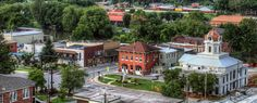 Tip 10 small towns in North Carolina. It's like they're straight from a movie! I've lived in two and visited several of these. I would have to add Hendersonville, Flat Rock, Highlands and Lake Lure.