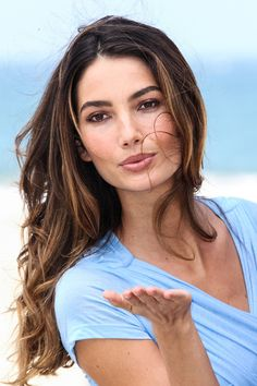 Lily Aldridge looking particulary beautiful in this picture.