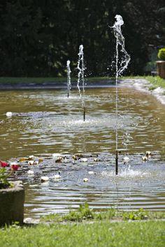 Jeux d'eau Mas d'entremont Aix en Provence Aix En Provence, Water Games, Park, Flowers