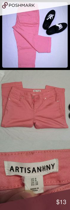 "Pink capri pants 18"" inseam. Pink stretchy capris. Size 8. Very comfortable Artisan Ny Pants Capris"