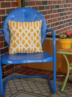 family, friends & east tennessee: Vintage Metal Lawn Chair