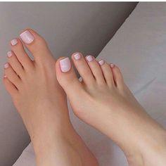 Pin de myron tom em sexy feet em 2019 toe nail color, feet n Pretty Toe Nails, Sexy Nails, Sexy Toes, Pretty Toes, Neon Toe Nails, Toe Nail Art, French Pedicure, Manicure E Pedicure, Pedicures