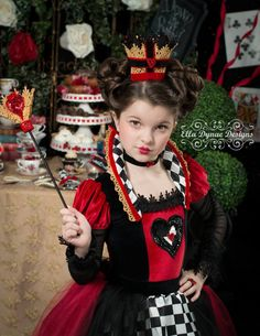 Queen of Hearts Costume Dress from Alice in por EllaDynae en Etsy