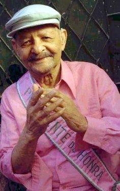 Carlos Cachaca - O poeta mangueirense e um dos fundadores da GRES Estacao Primeira da Mangueira - Pesquisa Google