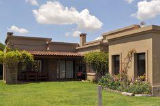 Farm Villa, Casas Country, Single Storey House Plans, Mediterranean Homes Exterior, Modern House Facades, Sims House Plans, Mexico House, Unique House Design, Earth Homes