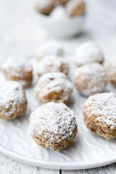 Rezept für gesunde Zimtkugeln mit Datteln und Mandeln für das Weihnachtsfest