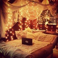 Image via We Heart It https://weheartit.com/entry/141238136/via/12968736 #grundge #lights #luxury #nice #room