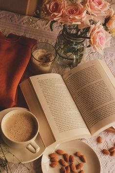 Photo - Book and Coffee Cozy Aesthetic, Book Wallpaper, Coffee Photography, Coffee And Books, Study Inspiration, Coffee Time, Kona Coffee, Bookstagram, Aesthetic Pictures