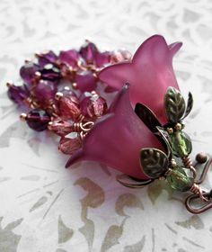 Ombre Himbeer Blume Ohrringe  Burgund rot bis dunkel von ShySiren