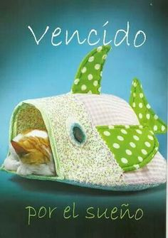 Fish cat bed simplicity 9004 home sweet home knitting toca get ozzi cat magazine all about cats fandeluxe Image collections