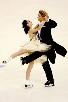 love the position she gets, full of grace and so strong...Meryl Davis and Charlie White, unless you skate, you do not know how hard it is to raise your eyes and look in their face, too