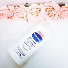 Dưỡng thể Vaseline - Màu nâu: cân chỉnh đều màu da - Màu hồng: giúp sáng da - Màu xanh: giúp mát da - Màu trắng: cho da nhạy cảm bộ sung độ ẩm cao hơn Giá: 160k