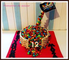 Anti Gravity Cake, Gravity Defying Cake, Bday Girl, Crazy Cakes, Ideas Para Fiestas, Sweet 16, Cake Pops, Cupcake Cakes, Cake Recipes