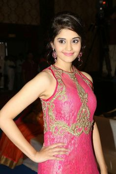 Actress Surabhi (32) - Surabhi - Gallery - TamilRockers.cc