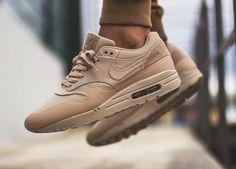 Nike Air Max 1 Patch Pack - Sand - 2015 (by villalobos_105)