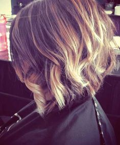 When women change their hair styles, they feel much more beautiful and confident. New year would literally be a fresh start with a stylish graduated bob hair. Short Hair Cuts For Women, Short Hairstyles For Women, Pretty Hairstyles, Hairstyle Ideas, Thin Hairstyles, Hair Ideas, Hair Styles 2014, Short Hair Styles, Bob Hairstyles 2018