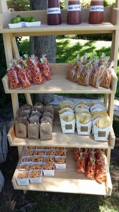 Camp-Themed Birthday Party for Kids. This is the trail mix bar. Love the cute brown paper bags! Mexican Fiesta Birthday Party, Fiesta Theme Party, Birthday Party Themes, Mexican Snacks, Mexican Candy Bar, Mexican Themed Weddings, Mexican Party Decorations, Bar A Bonbon, Party Snacks