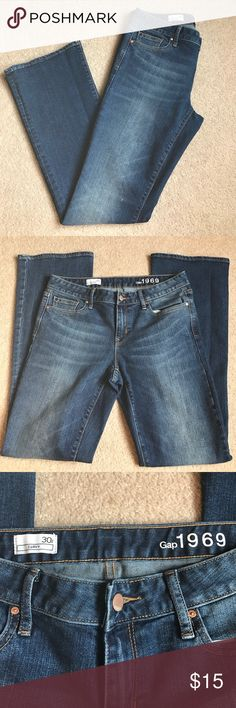 Gap Curvy Fit Jeans Excellent, gently used Gap curvy fit jeans, size 30r. Medium wash with very mild distressing. Worn only a few times. No signs of wear along the cuffs. Curvy fit has wider leg opening, almost like a bootcut. Regular length inseam. Pet free, smoke free home. GAP Jeans Boot Cut
