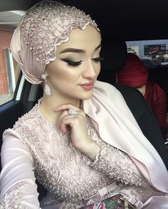 Muslim Wedding Gown, Muslimah Wedding Dress, Hijab Wedding Dresses, Bridal Hijab, Hijab Bride, Bridal Hair, Mode Turban, Turban Hijab, African Head Scarf