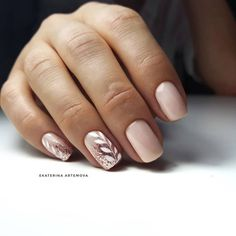 142 Top class bridal nail art design for spring inspiration page 31 - Edeline Ca. - 142 Top class bridal nail art design for spring inspiration page 31 – - Glitter Nails, Fun Nails, Gold Glitter, Gold Nails, Glitter Art, Blush Pink Nails, Pink White Nails, Bridal Nail Art, Bride Nails