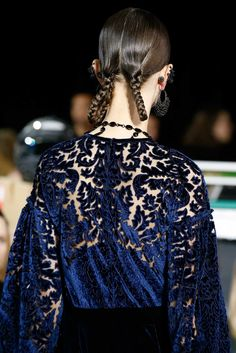 Givenchy Fall 2015 Ready-to-Wear Fashion Show Details