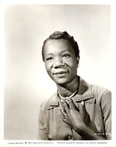 """Actress Beah Richards from the original """"Guess Who's Coming to Dinner"""" with Katherine Hepburn, Sidney Potier, and Spencer Tracy Black Actresses, Black Actors, Black Celebrities, Beautiful Celebrities, Old Hollywood Stars, Classic Hollywood, Actor Studio, Extraordinary People, Black History Facts"""