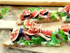 Bruschetta with ham and figs. I would use #bacon or proscuitto