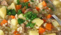 Beef and Barley Soup Crockpot Recipes, Soup Recipes, Cooking Recipes, Pearl Barley, Barley Soup, Us Foods, Risotto, Mashed Potatoes, Cooking