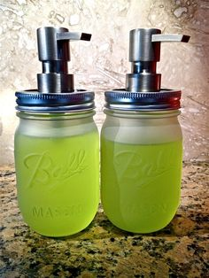 DIY frosted mason jars. Yes. Mason jars should be used for everything.