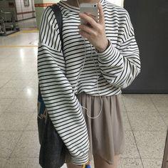 White/black striped long sleeve crew neck shirt