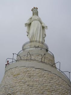 Today the statue of Our lady of Fatima visited the shrine of oUR lady of Lebanon, where thousands of faithful were gathered to consecrate their hearts & their countries in the middle east to Mary. Pray with Us.