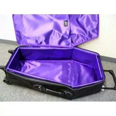 OH MY GOTH! Coffin suitcase<< I'd actually use this.