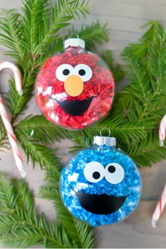 Diy christmas crafts 466544842639432395 - If your kids love Sesame Street, make these DIY Sesame Street Ornaments! They are a super easy Christmas craft and you'll love having Elmo and Cookie Monster on your Christmas Tree! Elmo Christmas, Sesame Street Christmas, Christmas Ornaments To Make, Homemade Christmas, Diy Ornaments, Beaded Ornaments, Custom Ornaments, Christmas Decorations, Simple Christmas